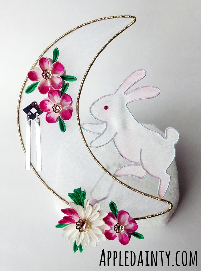 The Bunny of the Moon Kanzashi